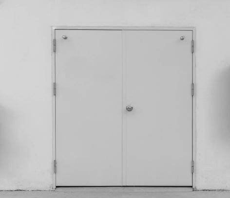 hollo wmetal door